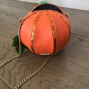 Betsey Johnson Bags - Betsey Johnson OH MY GOURD CROSSBODY BAG